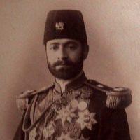 اسماعیلخان ممتاز ؛ سیاستمدار، مترجم، چندین دوره وزیر، رئیس و نماینده مجلس