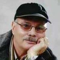 محمود قبهزرین ؛ دوبلور، بازیگر، شاعر، از بانیان گروه نمایش رادیو تبریز