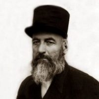 میرزا حسن رشدیه ؛ پایهگذار مدارس نوین ایران، نویسنده