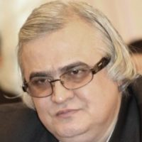 علیاصغر شعردوست ؛ زبانشناس، ادیب، نویسنده، پژوهشگر